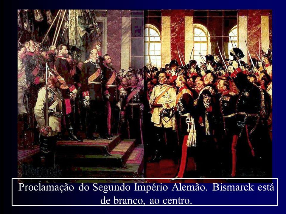 Proclamação do Segundo Império Alemão. Bismarck está de branco, ao centro.
