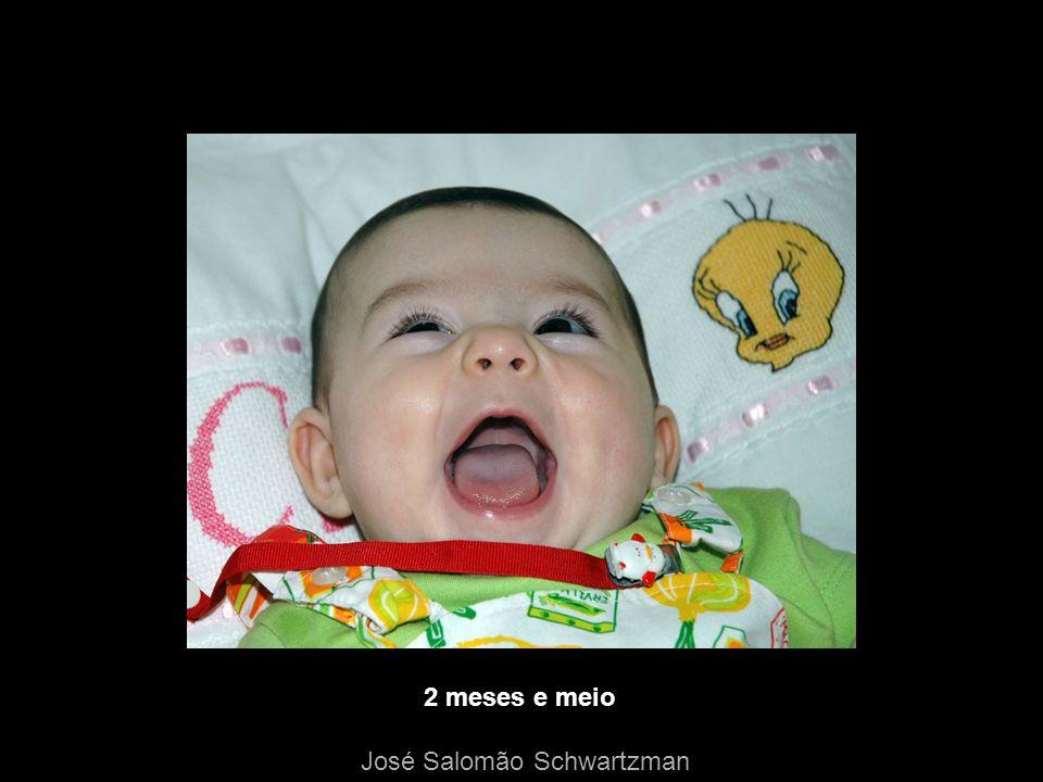 Dissociação do riso, sorriso e emoção lesões associadas com a paresia facial volitiva têm sido observadas: – na região opercular bilateralmente podem ser de origem congênita decorrer de acidente vascular cerebral ou tumores – enfartos da região da artéria cerebral média – enfartos na coroa radiada – lesões da cápsula interna – lesões da ponte – lesões ocupando espaço na substância branca fronto-parietal – esclerose múltipla José Salomão Schwartzman