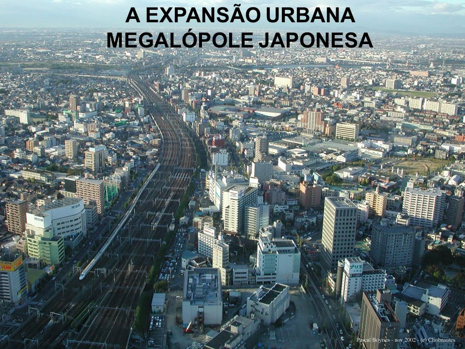 Regiões metropolitanas mais populosas e MEGACIDADES: Cidade principal PaísPopulação estimada TóquioJapão30.000.000 Cidade do MéxicoMéxico22.800.000 SeulCoréia do Sul22.300.000 Nova YorkEUA21.900.000 São PauloBrasil21.000.000 BombaimÍndia19.850.000 Nova DeliÍndia19.700.000 XangaiChina18.150.000 Los AngelesEUA18.000.000 OsakaJapão16.800.000 JakartaIndonésia16.550.000