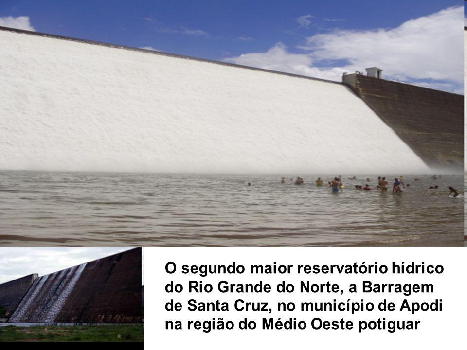 O segundo maior reservatório hídrico do Rio Grande do Norte, a Barragem de Santa Cruz, no município de Apodi na região do Médio Oeste potiguar