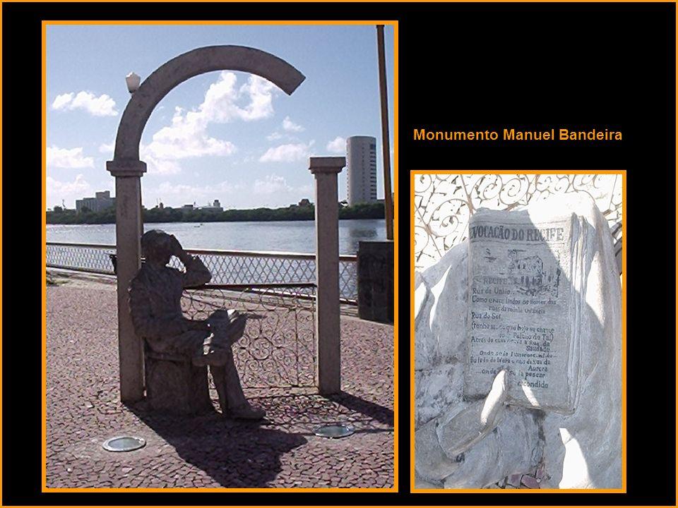 Monumento Manuel Bandeira