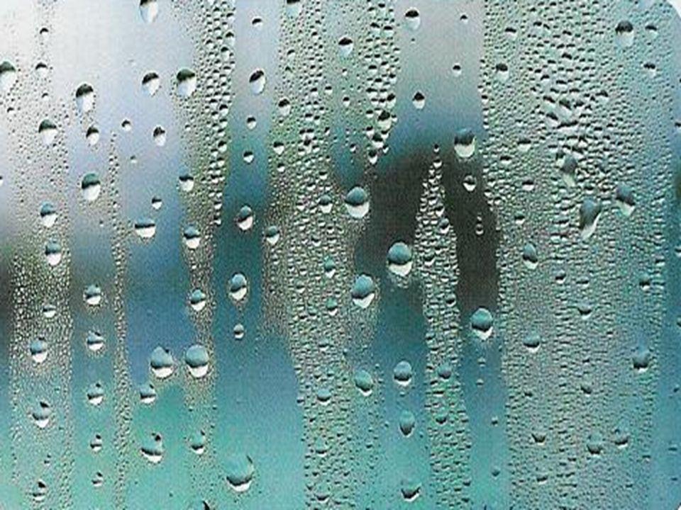 Quando o vapor de água condensa sobre uma superfície fria, são estabelecidas ligações de hidrogênio.