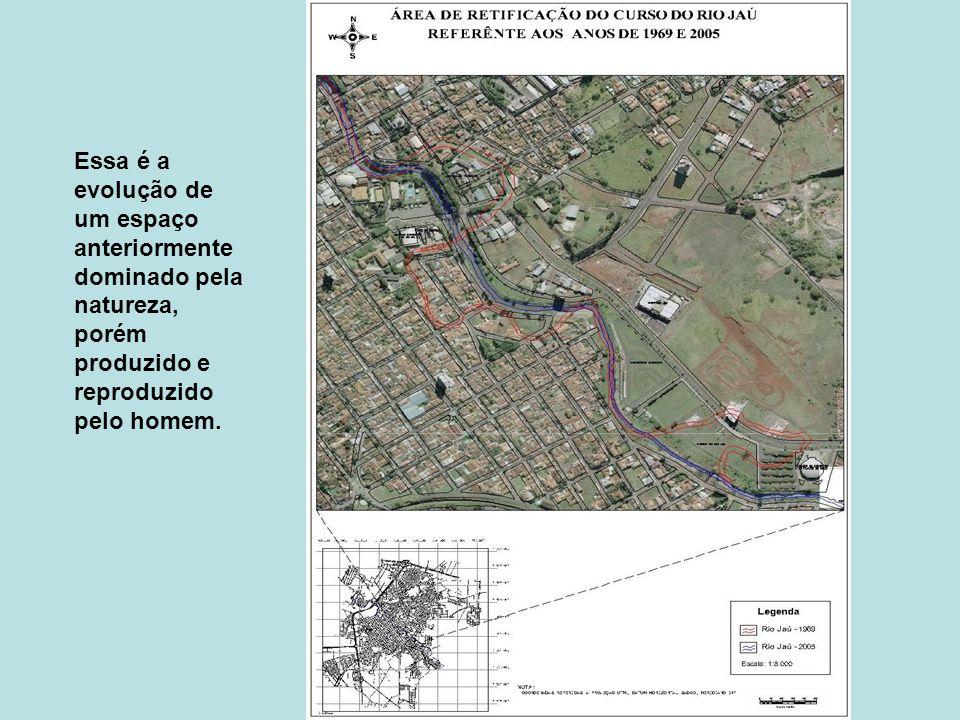 A atividade industrial modifica profundamente o espaço geográfico.