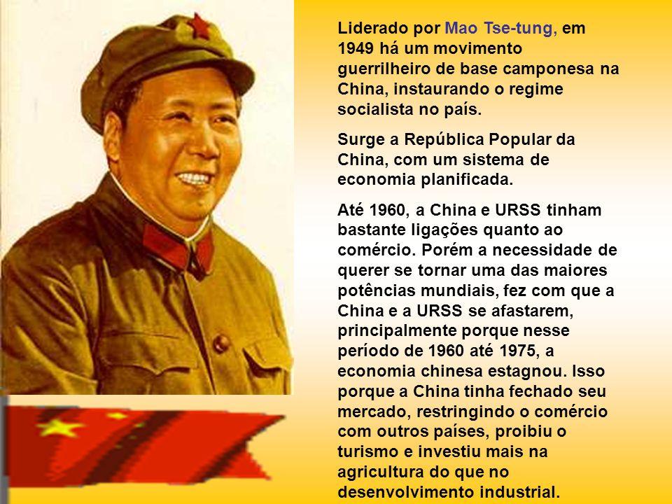 Liderado por Mao Tse-tung, em 1949 há um movimento guerrilheiro de base camponesa na China, instaurando o regime socialista no país. Surge a República