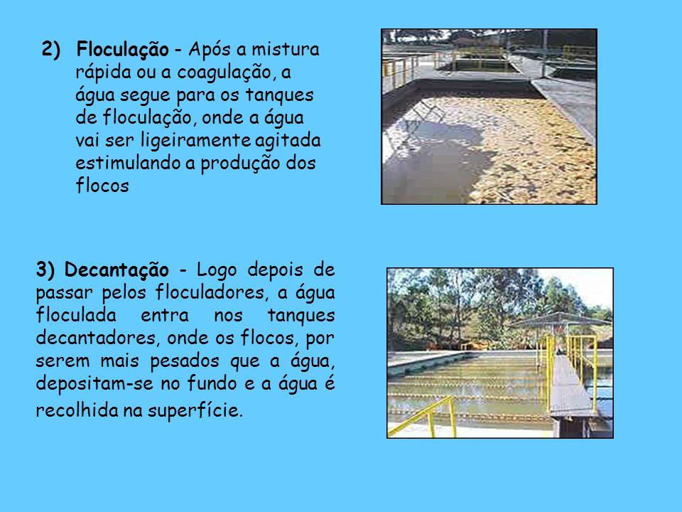 2) Floculação - Após a mistura rápida ou a coagulação, a água segue para os tanques de floculação, onde a água vai ser ligeiramente agitada estimuland