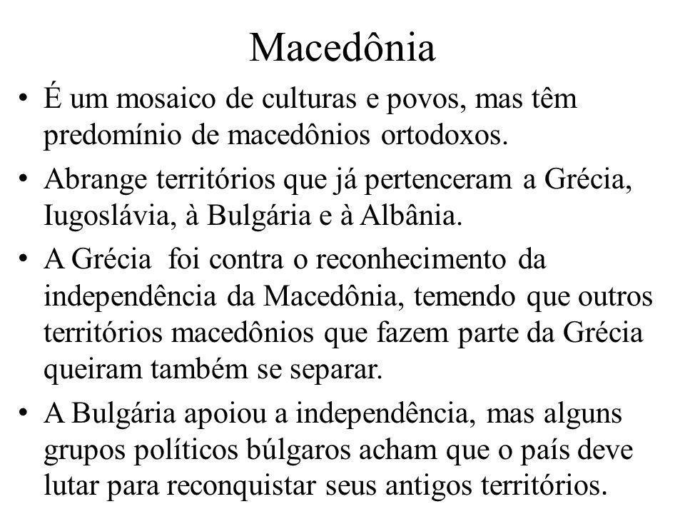É um mosaico de culturas e povos, mas têm predomínio de macedônios ortodoxos. Abrange territórios que já pertenceram a Grécia, Iugoslávia, à Bulgária