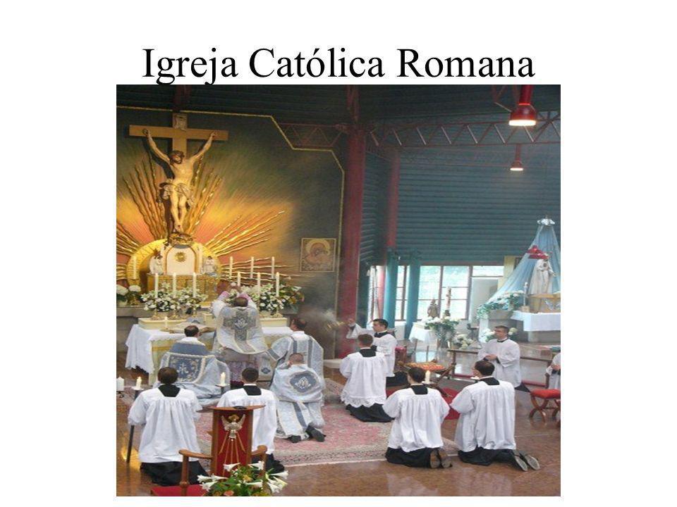 A divisão dos cristãos entre católicos e ortodoxos separou os eslavos na Península Balcânica: Croácia e Eslovênia - maior parte da população é católica e segue o alfabeto latino.