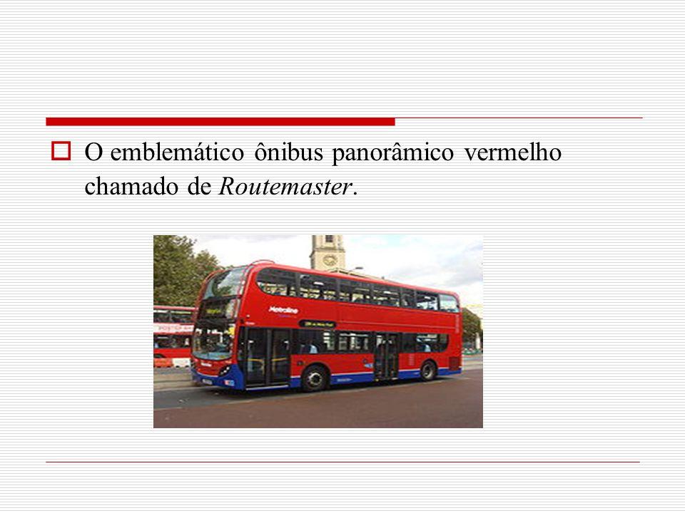 O emblemático ônibus panorâmico vermelho chamado de Routemaster.