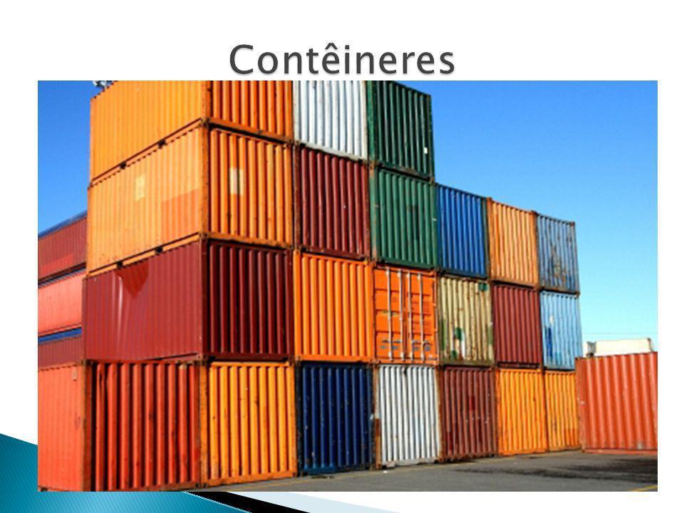 A maior parte das mercadorias que circula no mundo é transportada em navios.