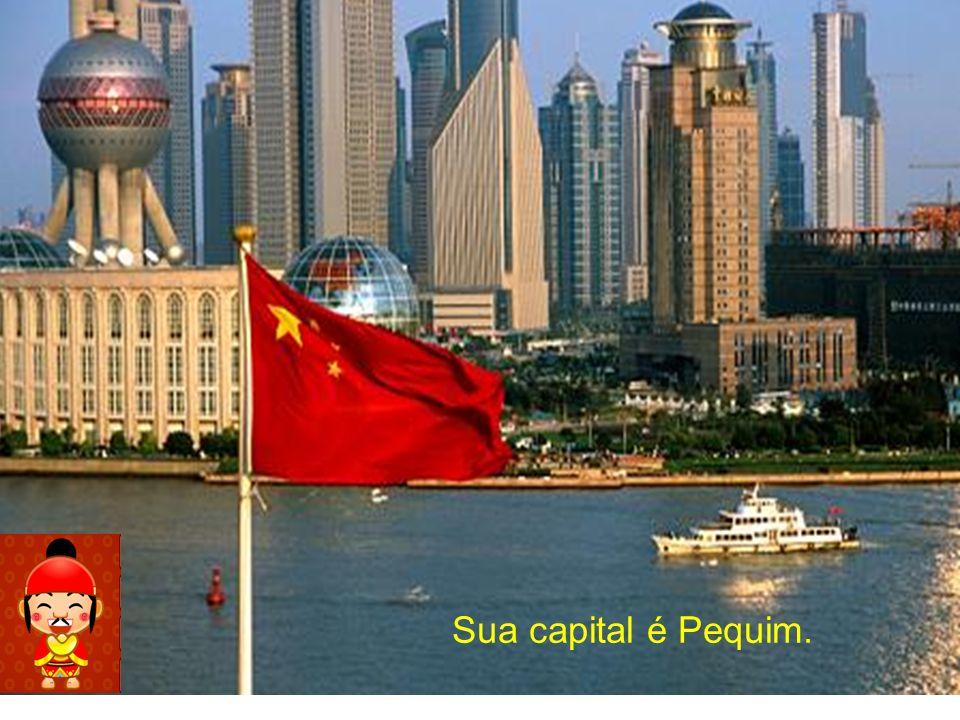Sua capital é Pequim.