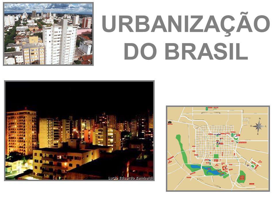 As maiores aglomerações urbanas do mundo (em milhões de habitantes) CIDADE20012015CIDADE20012015 Tóquio26,527,2Los Angeles13,3- São Paulo18,321,2Calcutá13,316,7 Cidade do Mx.18,320,4Daca13,222,8 Nova Iorque16,817,9Délhi1320,9 Mumbai16,522,6Xangai12,8- Na 2ª metade do século XX houve um aumento significativo da urbanização no mundo e em especial nos países asiáticos e africanos (em 1950 o mundo tinha 30% e hoje 50% de população urbana.