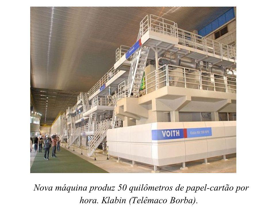 Nova máquina produz 50 quilômetros de papel-cartão por hora. Klabin (Telêmaco Borba).