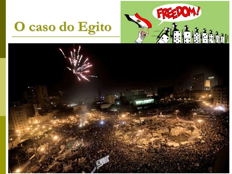 O caso do Egito As manifestações se alastraram para o Egito. Em 25/01/2011 ocorreu o primeiro protesto pedindo a saída do presidente Hosni Mubarak, há