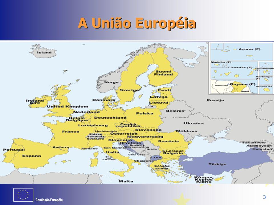 Comissão Européia 4 A União Européia consiste em: 27 Estados-membros (com tendência para aumentar) 500 milhões de habitantes 23 línguas oficiais Criada pelo Tratado de Roma há 50 anos (1957) Um mercado comum Uma união econômica e monetária (Euro)