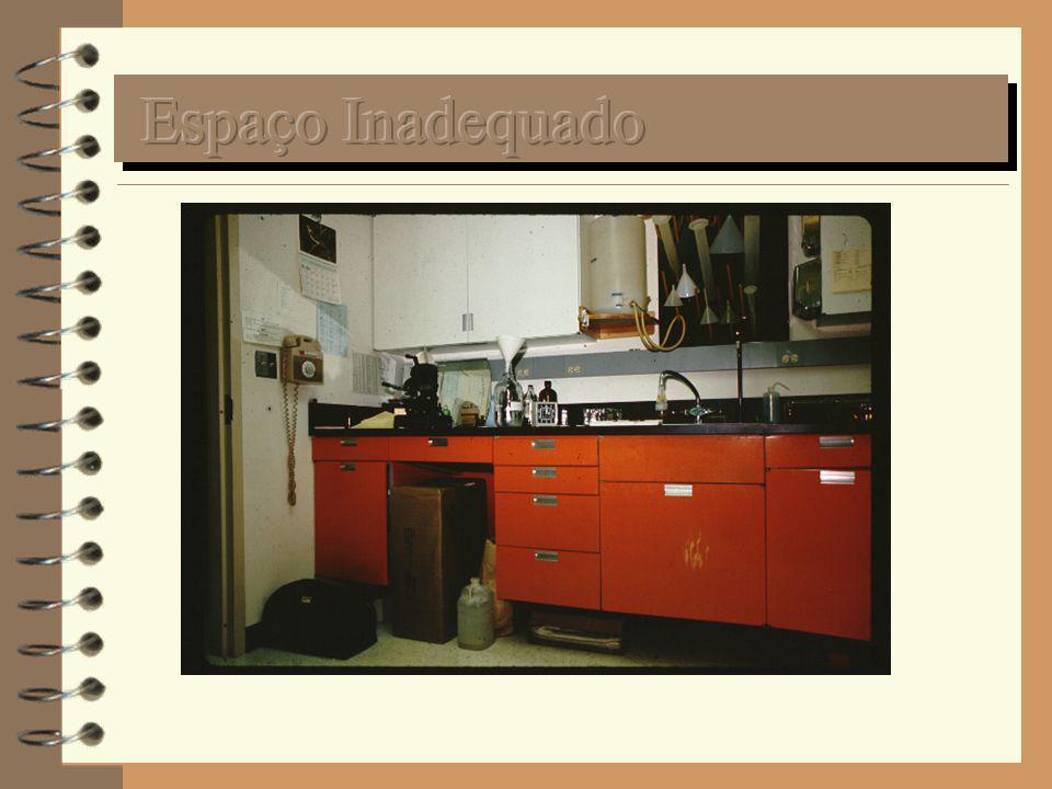 Favorecer o movimento de pessoas no plano horizontal Bancadas móveis e modulares Climatização central (unidades de janela são ruidosas, ineficientes, não controlam a umidade e não renovam o ar) Permuta fácil entre áreas técnicas e áreas burocráticas ou administrativas