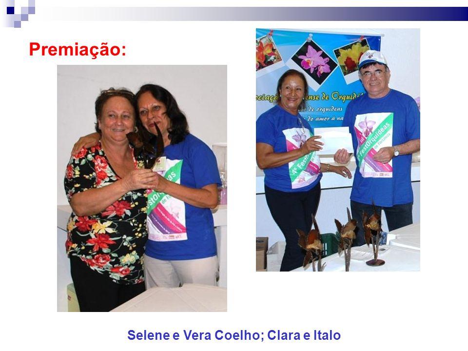 Premiação: Selene e Vera Coelho; Clara e Italo