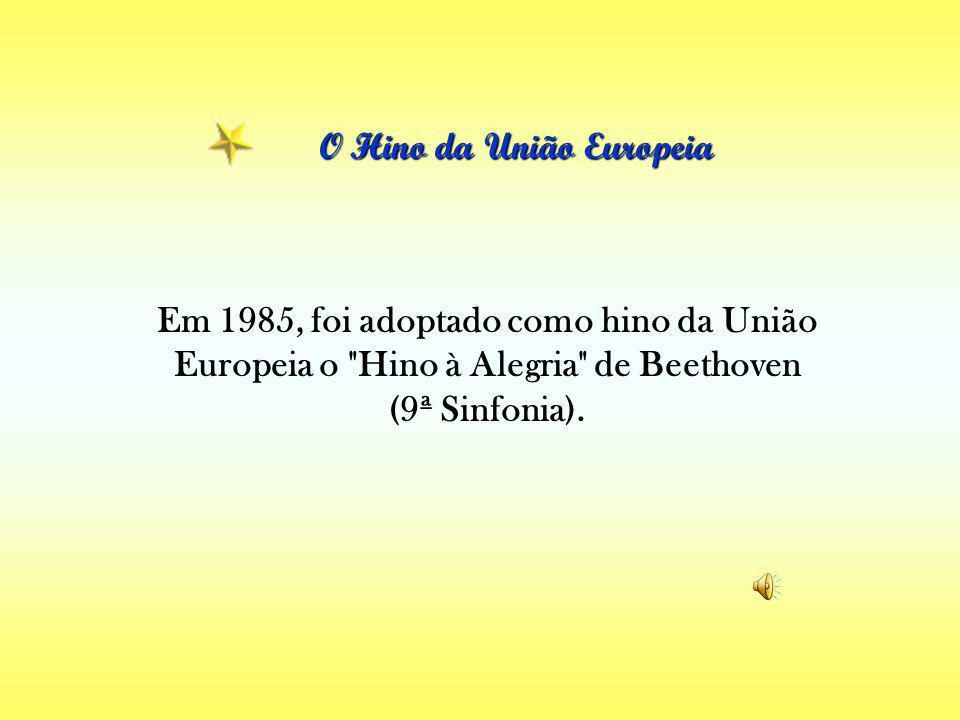 Alguns símbolos da UNIÃO EUROPEIA Alguns símbolos da UNIÃO EUROPEIA A bandeira da União Europeia As estrelas douradas representam a solidariedade e a