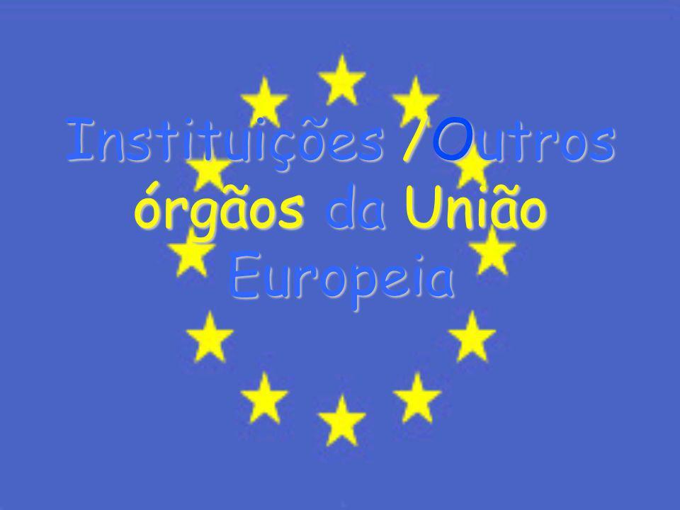 Índice 1-Introdução 2-Instituições /Outros órgãos da União Europeia 2.1--Parlamento Europeu 2.2- Conselho da União Europeia 2.3- Comissão Europeia 2.4-Tribunal de Justiça 2.5-Tribunal de Contas 3- Conclusão 4-Bibliografia
