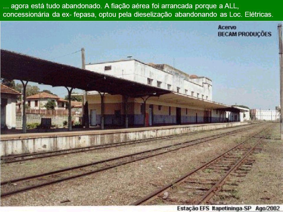 1998 ITAPETININGA efs/ FEPASA. Este foi o ultimo ano da ferrovia como estatal. Estação em atividade, trens com um novo layout, locomotivas elétricas f