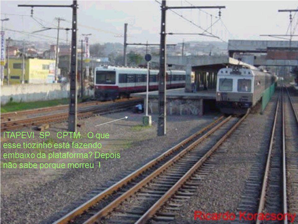 I t a p e v i S.Paulo SP anos 90 efs /FEPASA A estação é servida pelos trens de subúrbio da atual CPTM.