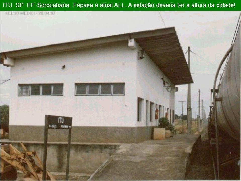 2001 ITIRAPINA SP. A FEPASA foi vendida para a FERROBAN que em seguida abandonou a maioria das estações, carros de passageiros e Locomotivas elétricas