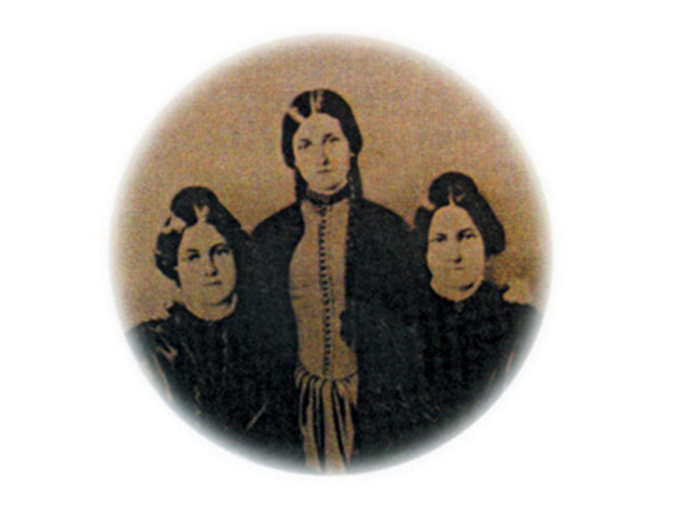 Em 1850, tamanha foi a repercussão dos fenômenos, tal a afluência dos curiosos, que a família Fox transladou-se para Nova York continuando as sessões públicas no Hotel Barnum.
