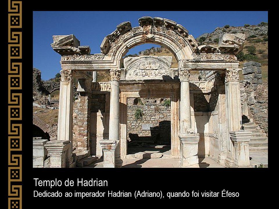 Templo de Hadrian Dedicado ao imperador Hadrian (Adriano), quando foi visitar Éfeso