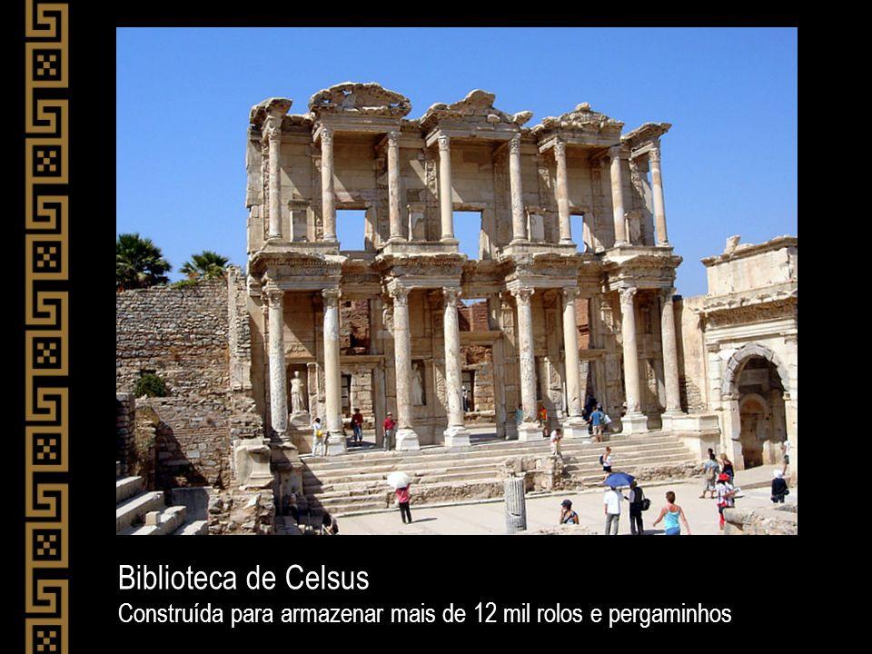 Biblioteca de Celsus Construída para armazenar mais de 12 mil rolos e pergaminhos