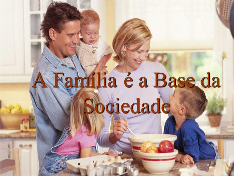 A família funciona como um laboratório que recebe informação de gerações anteriores.
