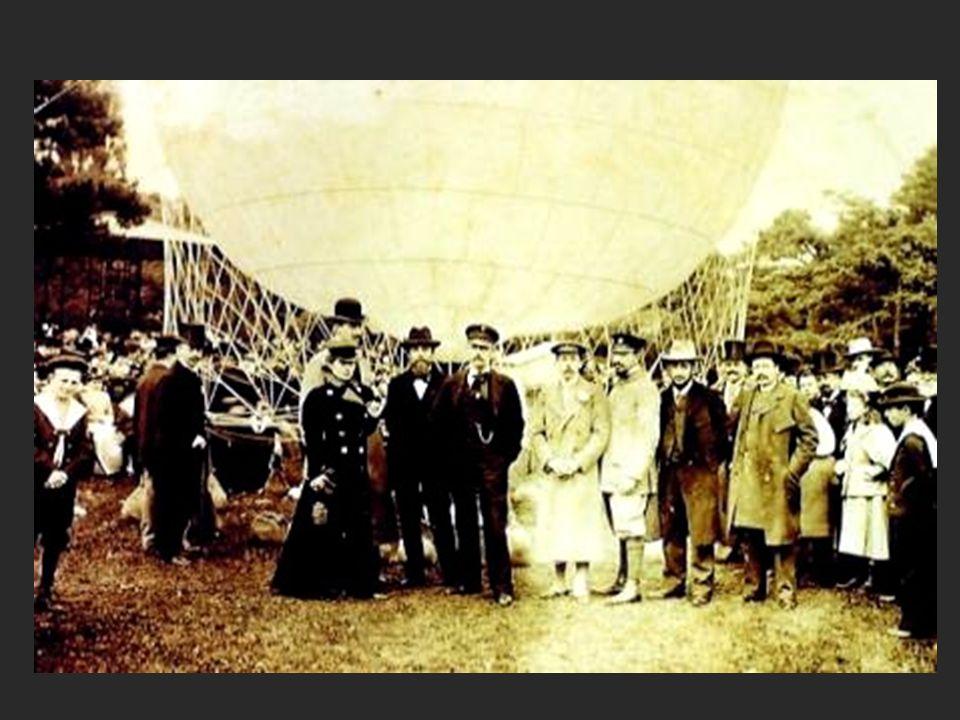Famoso mundialmente com este feito, Santos Dumont continua a aperfeiçoar os seus balões dirigíveis.