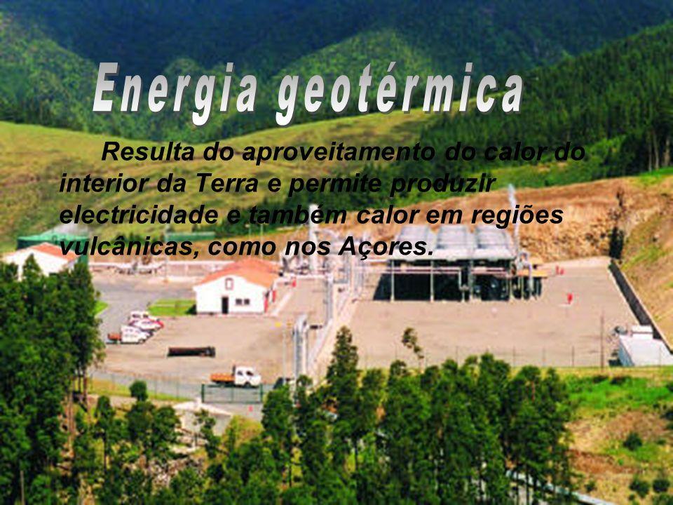 Resulta do aproveitamento do calor do interior da Terra e permite produzir electricidade e também calor em regiões vulcânicas, como nos Açores.