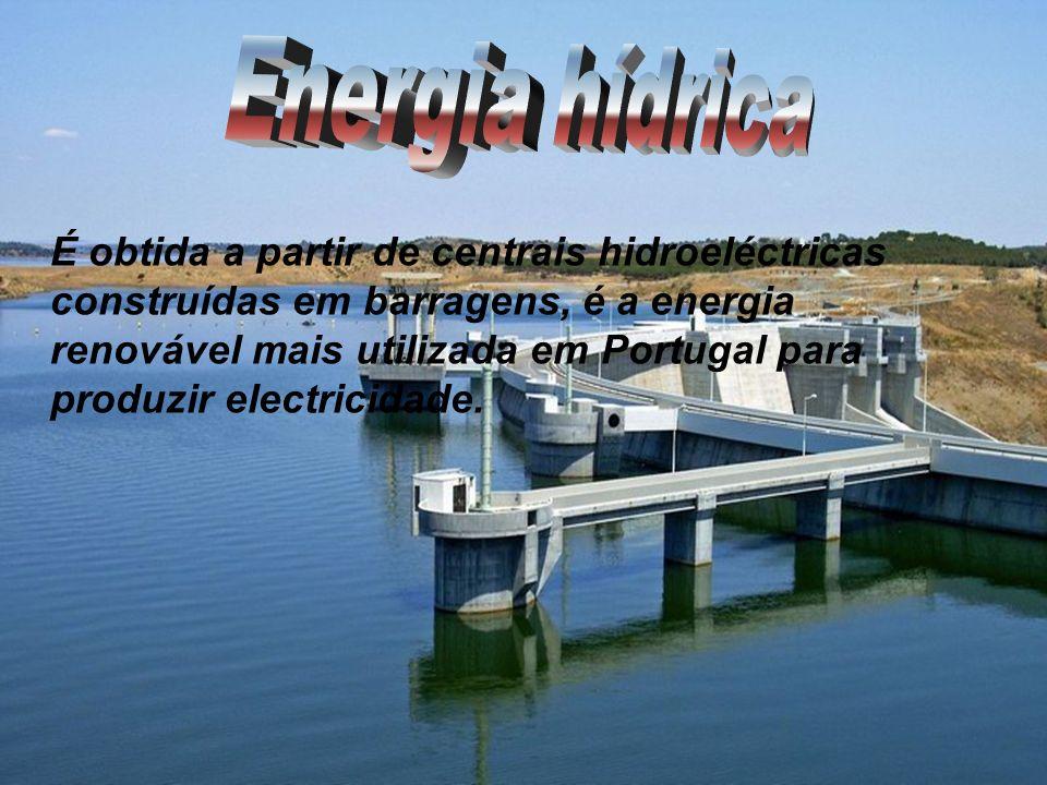É obtida a partir de centrais hidroeléctricas construídas em barragens, é a energia renovável mais utilizada em Portugal para produzir electricidade.