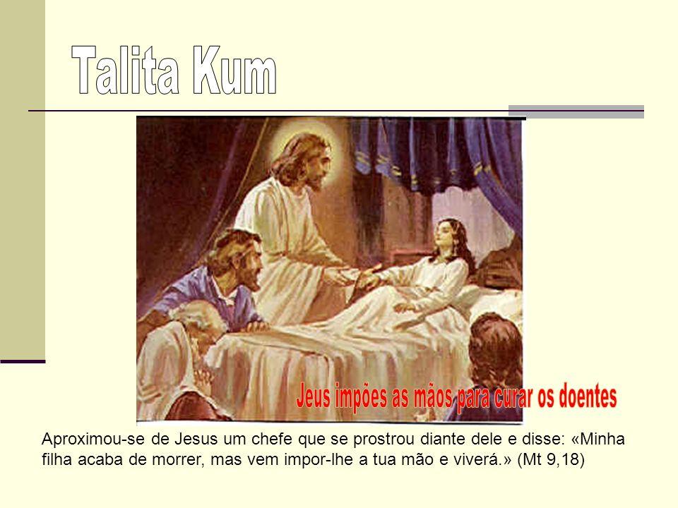 Jesus deitou-lhe saliva nos olhos, impôs-lhe as mãos e perguntou: «Vês alguma coisa?» … Em seguida, Jesus impôs-lhe outra vez as mãos sobre os olhos e ele viu perfeitamente.