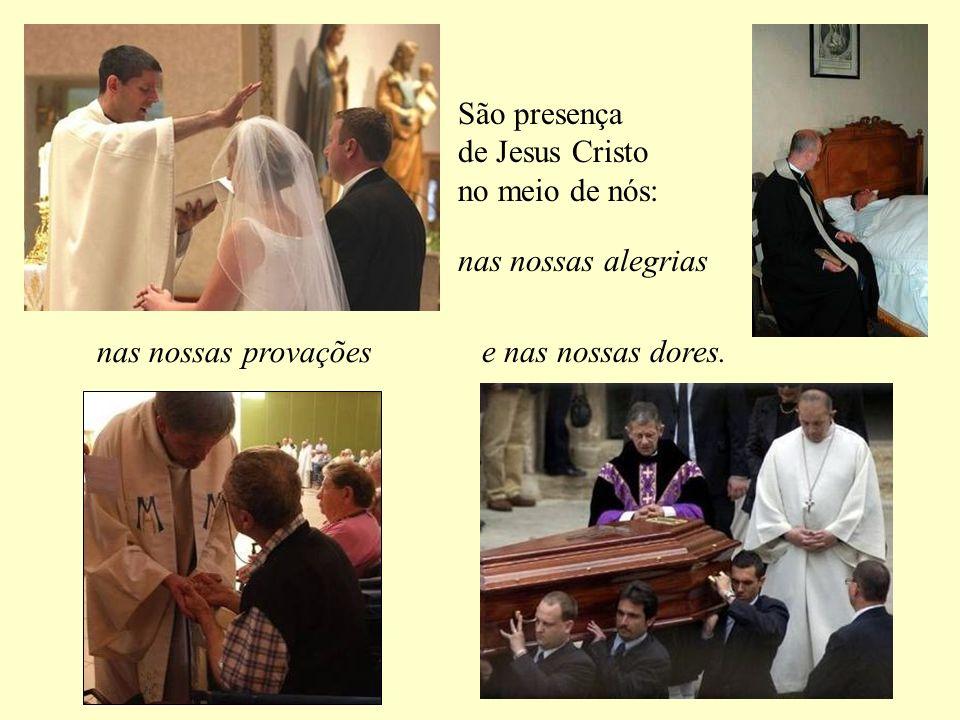 Eles baptizam em nome do Pai, do Filho e do Espírito Santo.