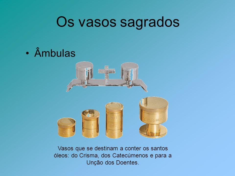 Panos de Altar Corporal Pano quadrado, habitualmente feito de linho, sobre o qual se colocam a Patena, o Cálice e a Custódia.
