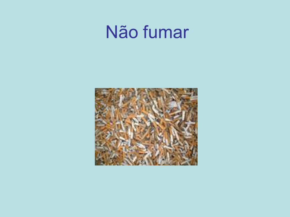 A nicotina é um composto orgânico, e é o principal alcalóide do tabaco.