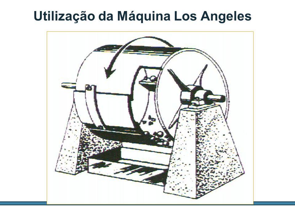 ESTUDOS DE AGREGADOS / 41 Utilização da Máquina Los Angeles