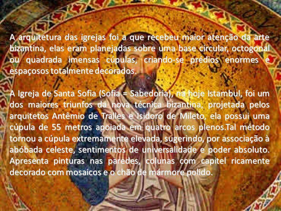 A arquitetura das igrejas foi a que recebeu maior atenção da arte bizantina, elas eram planejadas sobre uma base circular, octogonal ou quadrada imens