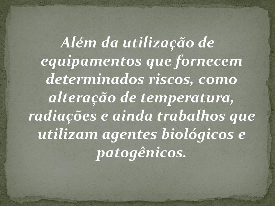 Principais acidentes no laboratório - vertigens - corpos estranhos nos olhos - substâncias químicas nos olhos - queimaduras - cortes - envenenamentos.