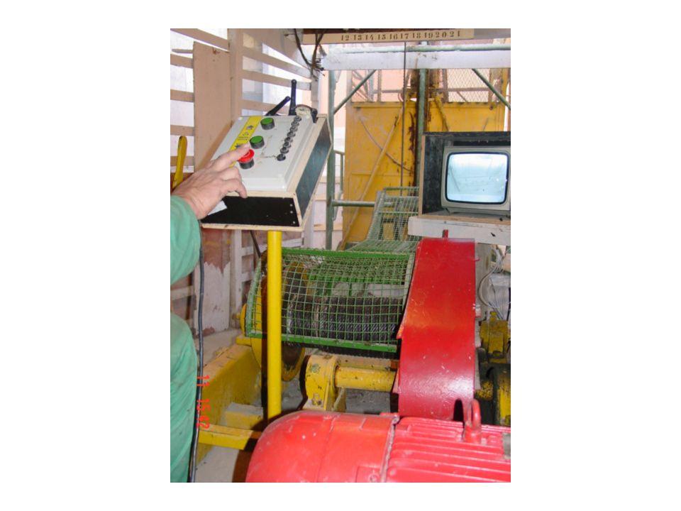 Elevadores de obras - Quadro de comando, cabos, sinalização sonora (quando em movimento)
