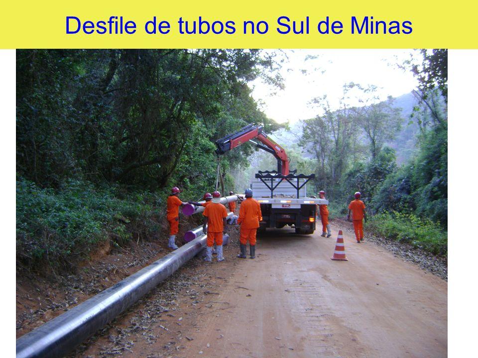 Desfile de tubos no Sul de Minas