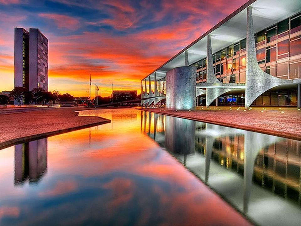 O edifício está localizado na Praça dos Três Poderes em Brasília, tendo sido projetado por Oscar Niemeyer. em 21 de abril de 1960.Praça dos Três Poder