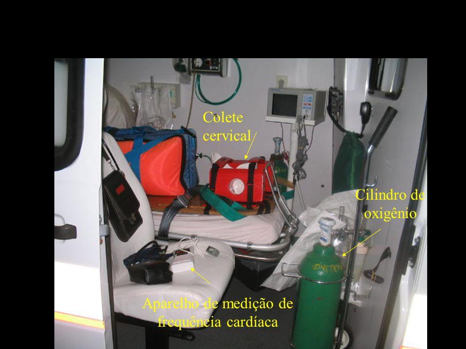 Aparelho de monitoramento cardíaco Cilindro de oxigênio Rádio de comunicação