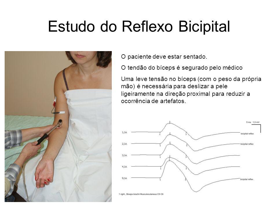 Estudo do Reflexo Bicipital O paciente deve estar sentado. O tendão do bíceps é segurado pelo médico Uma leve tensão no bíceps (com o peso da própria