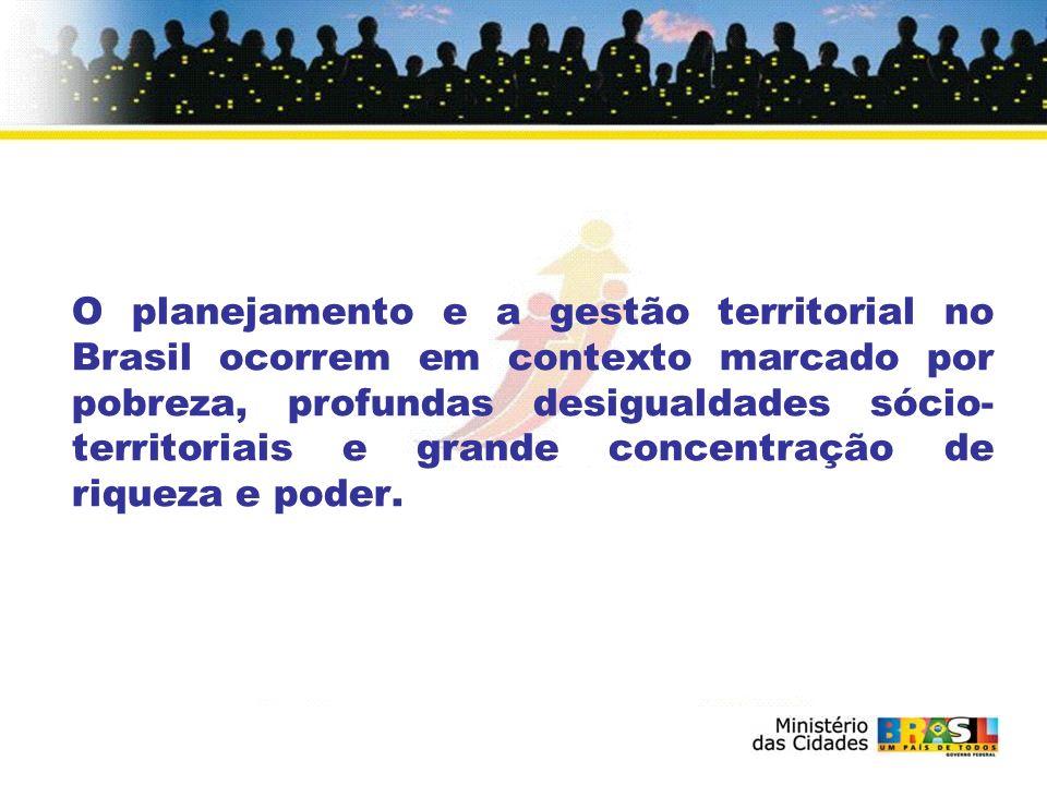 Padrão de urbanização excludente e predatório Cidadania ambígua e incompleta dos moradores de assentamentos urbanos informais, irregulares e ilegais.