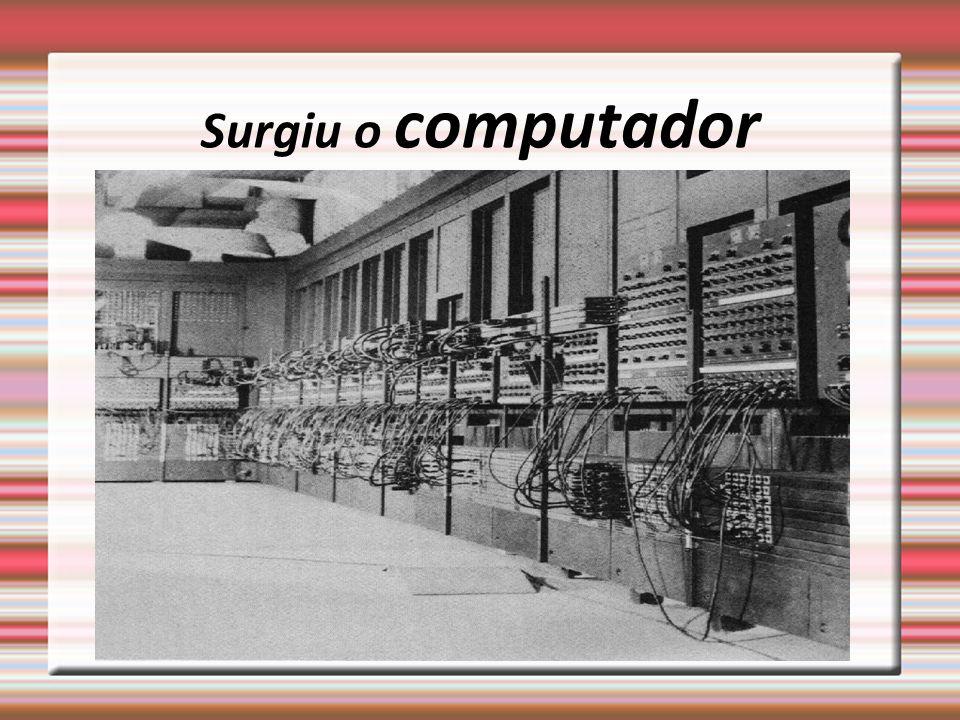 Implantação O sistema é empacotado, distribuído e instalado no ambiente do usuário.