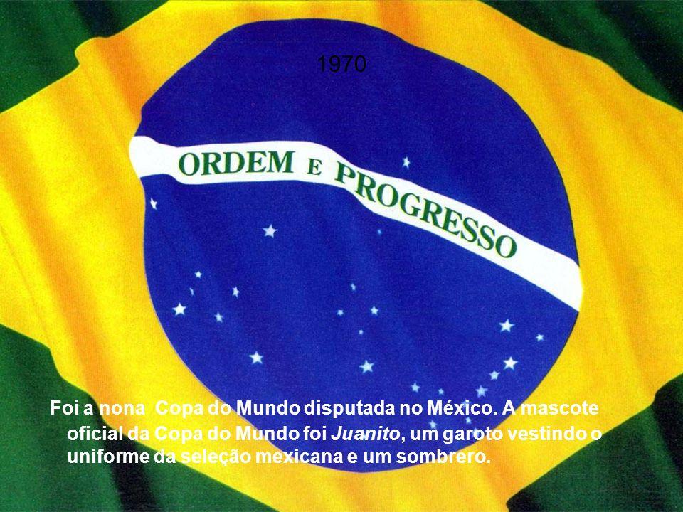 1994 A Copa do Mundo FIFA de 1994 foi sediada nos Estados Unidos, apesar da pouca tradição do futebol no país.