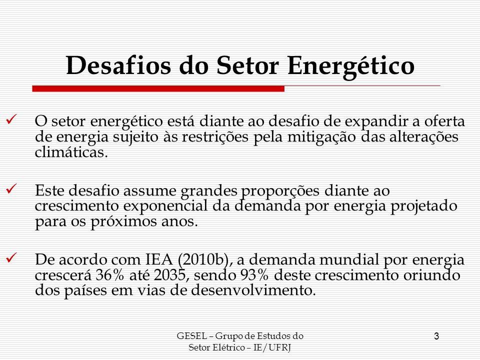 4 Desafios do Setor Energético Sem a necessidade de mitigar a emissão de gases do efeito estufa, a matriz energética mundial tenderia a se expandir baseada na exploração de recursos fósseis; Contudo, a relevância das alterações climáticas faz com que a expansão do setor energético contemple medidas de promoção de eficiência energética e aumento da participação de fontes renováveis com vistas a reduzir a intensidade em carbono da matriz energética mundial;
