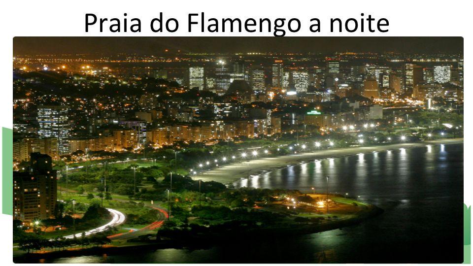 Praia do Flamengo a noite