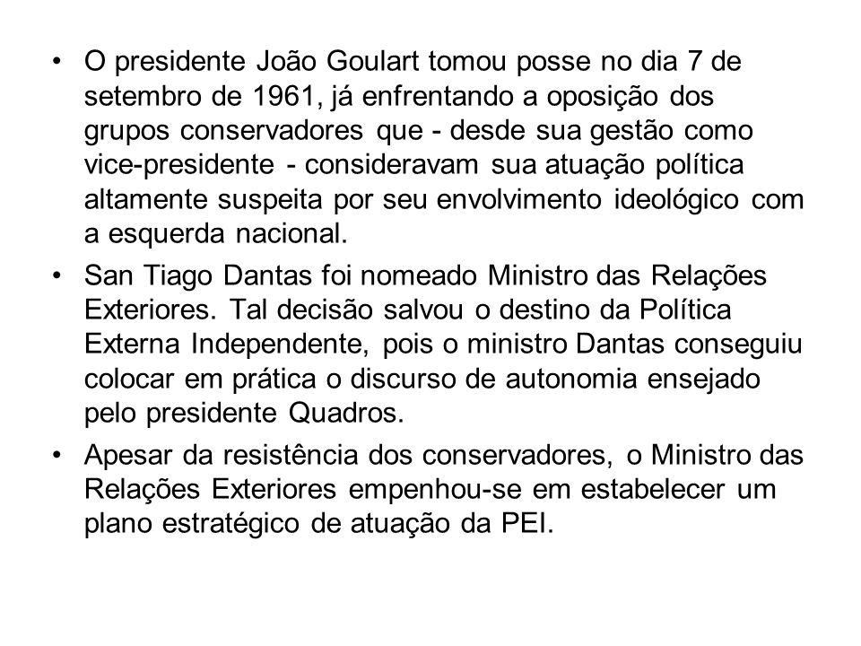 O presidente João Goulart tomou posse no dia 7 de setembro de 1961, já enfrentando a oposição dos grupos conservadores que - desde sua gestão como vic